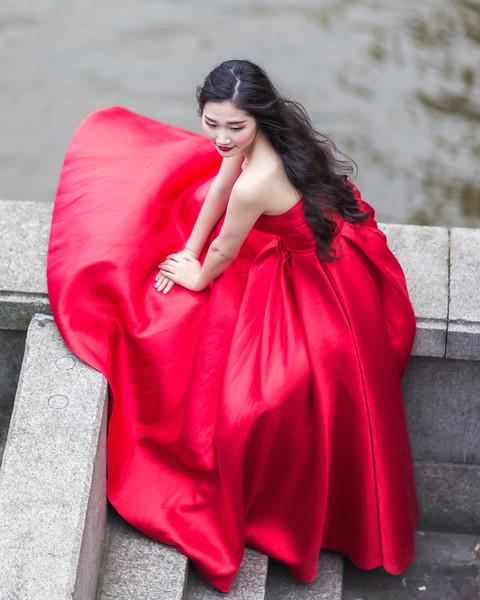 Red Wedding Girl