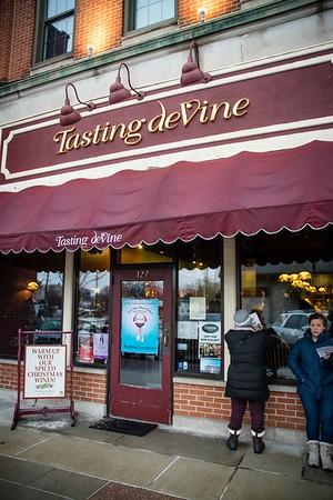 i17s DWA Winter Wine Walk '20 web (18)