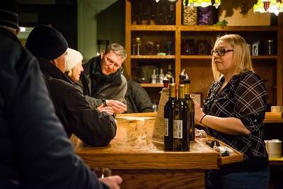 i17s DWA Winter Wine Walk '20 web (21)