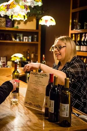 i17s DWA Winter Wine Walk '20 web (23)