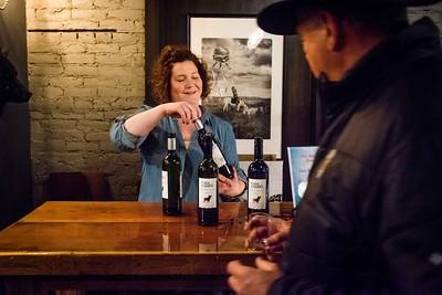 i17s DWA Winter Wine Walk '20 web (32)