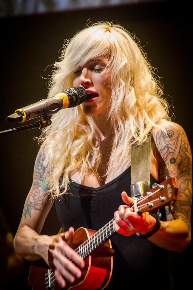 Sarah Sings