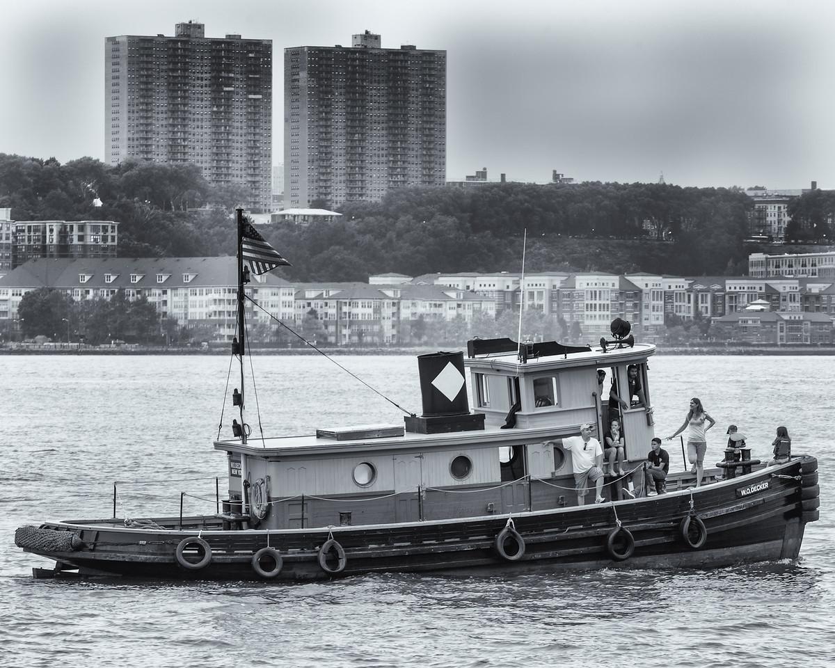 2013TugboatRaceAndFestival-7