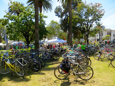 Bike valet in the middle of the afternoon