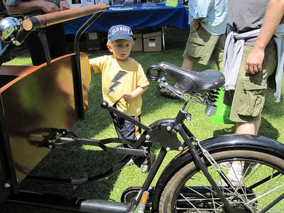 Can I ride that big cargo bike?