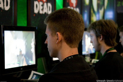 Gamers playing Half Life - Left 4 Dead