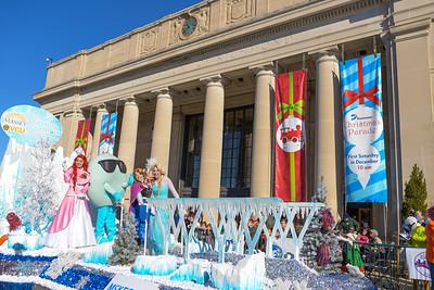 Dominion Christmas Parade 2015 Richmond, VA