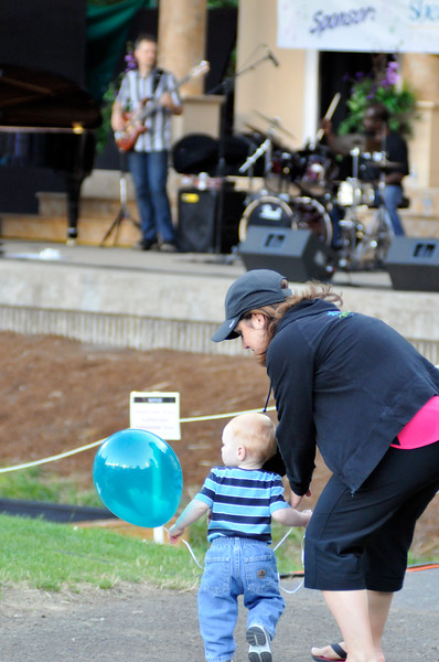 2011_sherwood_musicongreen_KDP6691_072011.jpg