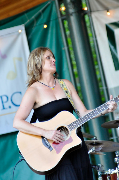 2011_sherwood_musicongreen_KDP8097_080311.jpg