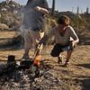 Rührei vom Lagerfeuer - morgens sind immer genug heisse Kohle zum Kochen und Braten da