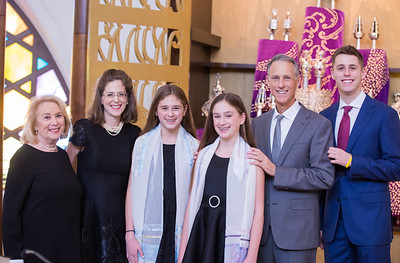 Annie and Sophie sde Miami Beach Temple Beth Shalom Mitzvah (108 of 30)