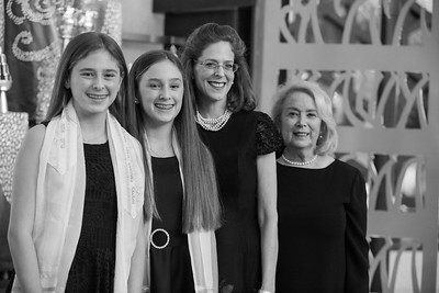 Annie and Sophie sde Miami Beach Temple Beth Shalom Mitzvah (104 of 30)