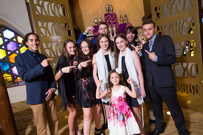 Annie and Sophie sde Miami Beach Temple Beth Shalom Mitzvah (109 of 30)