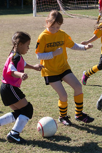 110213 Stinger Soccer-15