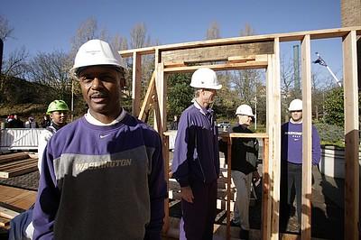 11/16/2007 Bank of America, University of Washington, Habitat House Build