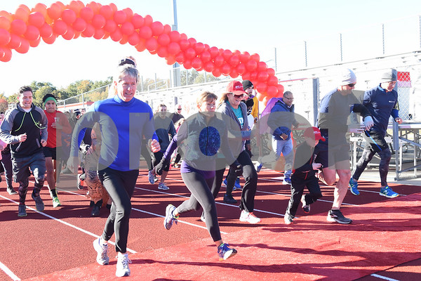 Runners lead the start of the Tyler Heart Walk benefiting the American Heart Association Saturday Nov. 19, 2016 at Robert E. Lee High School.  (Sarah A. Miller/Tyler Morning Telegraph)