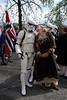 Ingrid sjekker opp en Stormtrooper