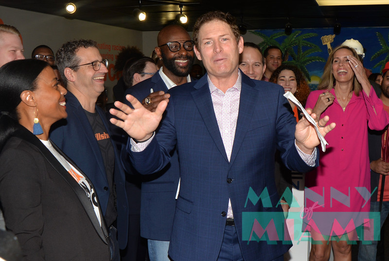MIAMI, FL - FEBRUARY 1: Jerry Rice and Steve Young open 8-80 zone at the YWCA in Miami, FL on February 1st, 2020. (Photo by Manny Hernandez)