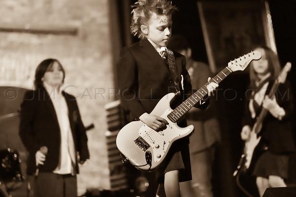 Musicafe_SchoolOfRock_JimCarrollPhotography-1540