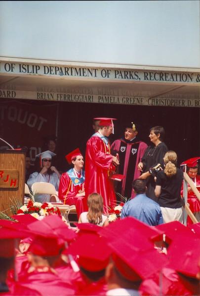 20000621 JoJo Graduation (15)