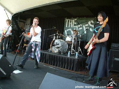 The Diffs - VANS Warped Tour - Fullerton, CA - July 1, 2004