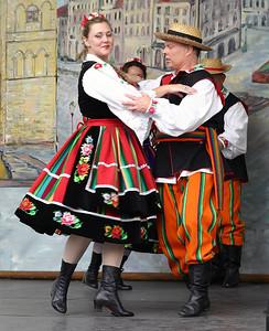 Folk Dancers 5 %2834357961%29