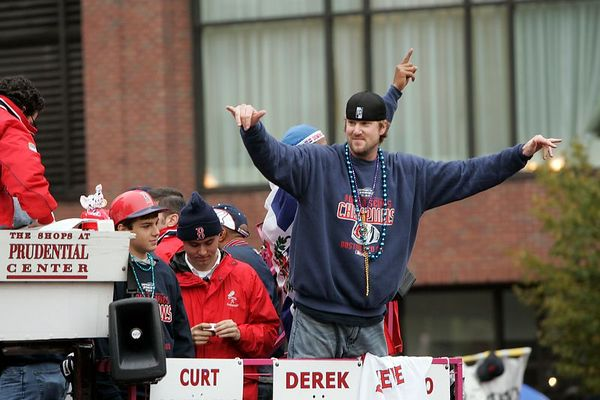Red Sox pitcher Derek Lowe acknowledges the crowd