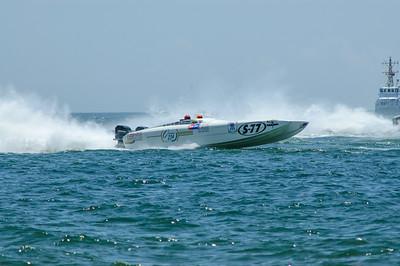 20040822 Pensacola Powerboat Race 012