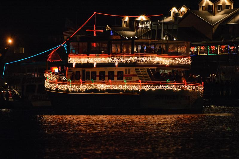 20041212 Destin Xmas Boat Parade 003