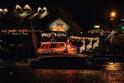 20041212 Destin Xmas Boat Parade 051