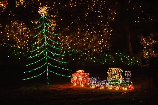 20041218 Bellingrath Christmas Lights 052
