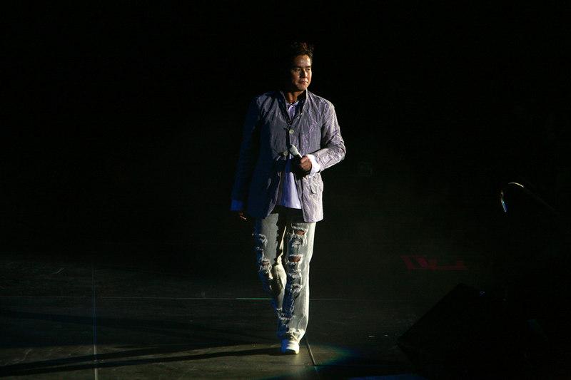 20061104210141_Alan_Tam_concert