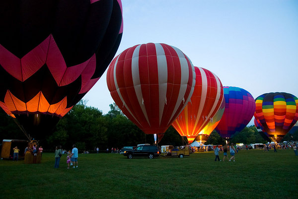 """<font size=""""3"""">There were several attempts by the pilots to make all of the balloons glow at the same time.</font>"""