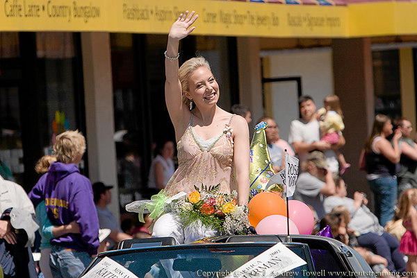 Snapshot gallery of images from the 2006 Miss Oregon parade in Seaside Oregon on July 1st 2006. Images were acquired as 8 megapixel RAW files and have been been batch processed and downsized to 1024 pixels for display on the web. Image Copyright © 2006 J. Andrew Towell All Rights Reserved. Please contact the copyright holder at troutstreaming@gmail.com to discuss any and all usage rights.
