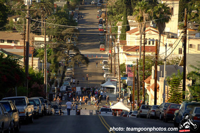 Down the hill to the festival - Sunset Junction Street Festival - Silver Lake - Los Angeles, CA - August 2006 - photo