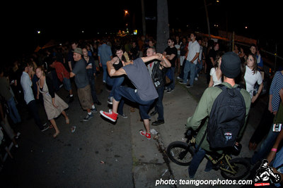Dancing in the street - Sunset Junction Street Festival - Silver Lake - Los Angeles, CA - August 2006 - photo