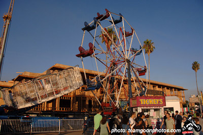 Amusement ride - Sunset Junction Street Festival - Silver Lake - Los Angeles, CA - August 2006 - photo