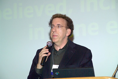 """Dr. Dean Ornish speaking on """"Effects of Comprehensive Chanes in Diet and Lifestyle on Gene Expression"""" at the Saturday evening (10/13/07) banquet."""