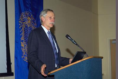 Professor Walter Willett of the Harvard School of Public Health introducting professor Bruce Ames