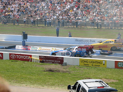 Robert Hight and Scott Kalitta funny cars leaving start line