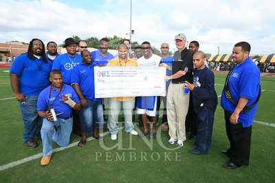 Phi Beta Sigma donates a check at the UNCP Homecoming Game in Pembroke, NC on October 6th, 2007 webber_0121.JPG