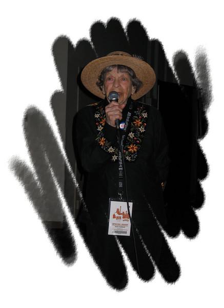 20070415 97yo Doris 'Granny D' Haddock, Q&A after 'Run Granny Run' [edgeround03 frame]