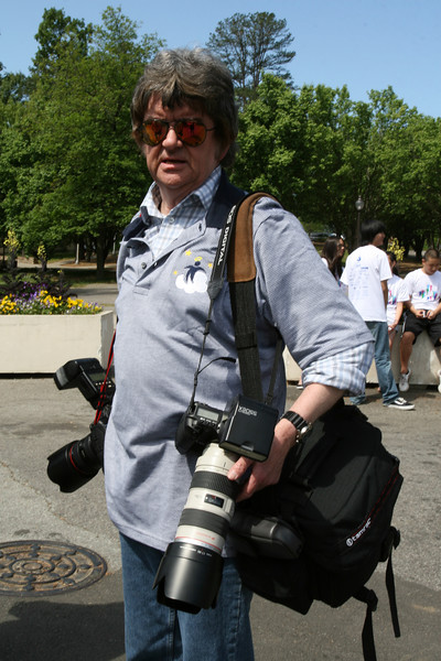 Bob Pendleton with his gear, 1108am {copyright 2007, Dilip Barman}