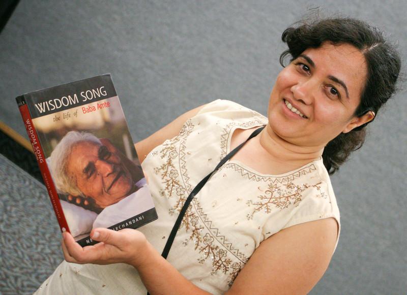 20070805 Sangeeta with book 2