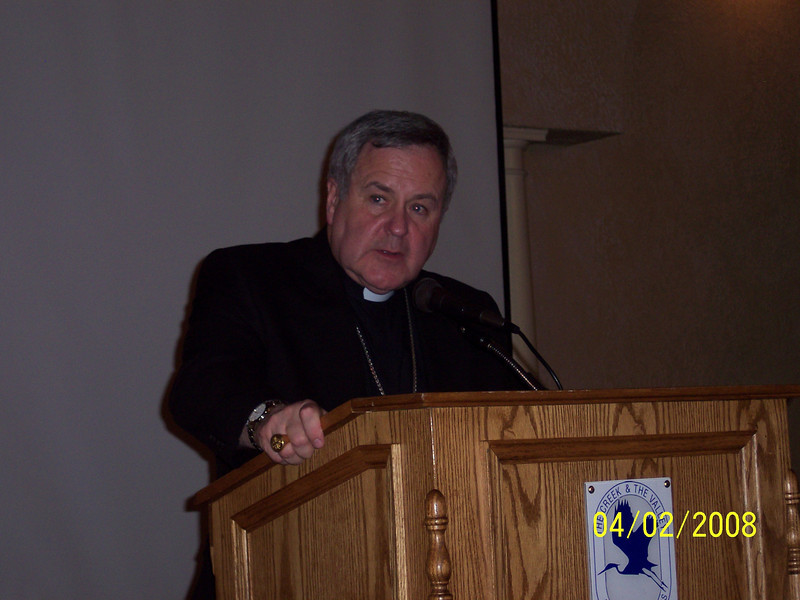 Bishop Robert J. Carlson speaking at the 2008 Serra Bishop's Dinner