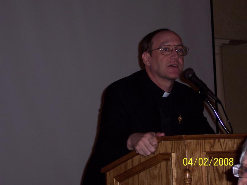 Fr. Ed Fride, pastor of Christ The King Parish in Ann Arbor speaking at 2008 Serra Dinner for Seminarians.