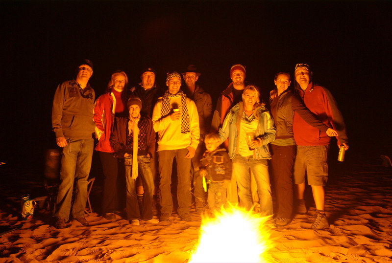 The whole group that made it out to the Liwa desert, everyone comfortably numb, and freezing our butts off!