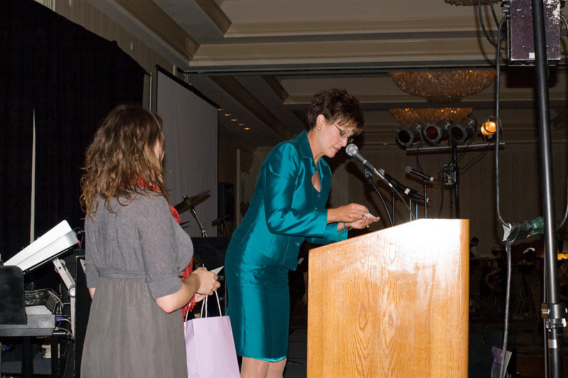 Carol LaBeau, Channel 10 News Anchor, MCs the Meals on Wheel Gala<br /> <br /> Corinne Hardisty