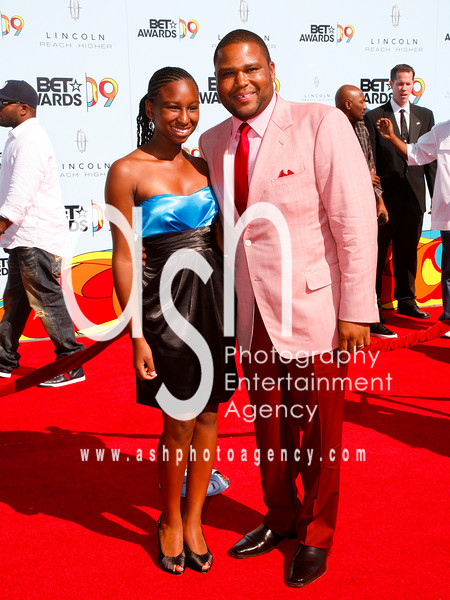 Actor Anthony Anderson and Daughter