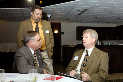 Air Methods Kentucky Business Director Ron Walter (left) and Air Evac Lifeteam's Dan Durham discuss air medical issues with Rep. David Floyd ( 50th District, Minority Whip) during the 2009 KAPA Legislative Reception.